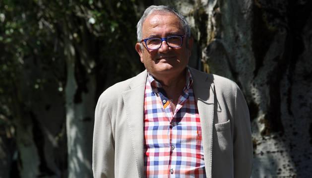 Luis Sabalza posa en Tajonar este pasado verano