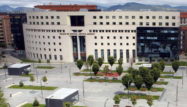 Fachada del Palacio de Justicia de Navarra.