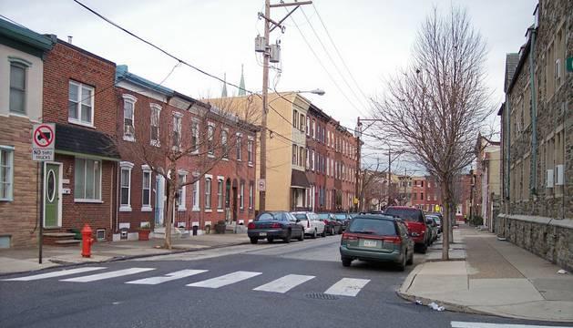Filadelfia (noreste de EEUU), donde anoche resultaron heridos dos policías y tres civiles