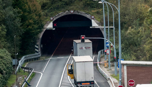 Acceso al túnel de Almandotz.