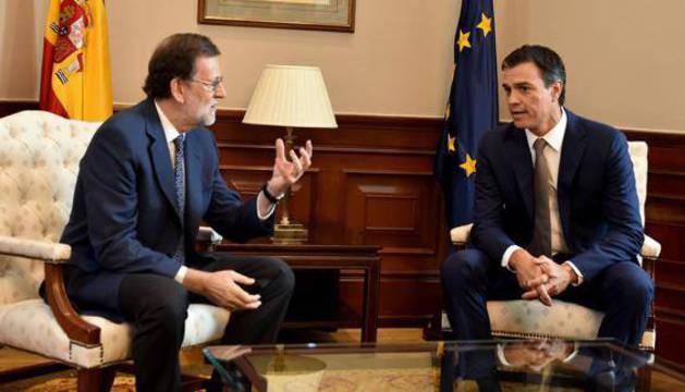 Rajoy y Sánchez, durante la reunión que mantuvieron el pasado agosto en el Congreso.