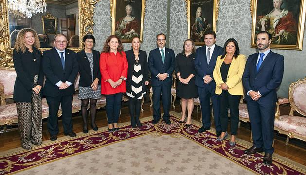 Barkos recibe a la nueva junta de gobierno del Colegio de Abogados de Pamplona