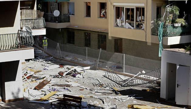Una explosión de gas, posible causa de la explosión en un piso de Barcelona