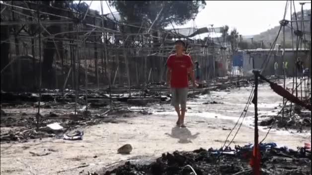 Un incendio en Lesbos arrasa el 60% del campo de refugiados de la isla griega