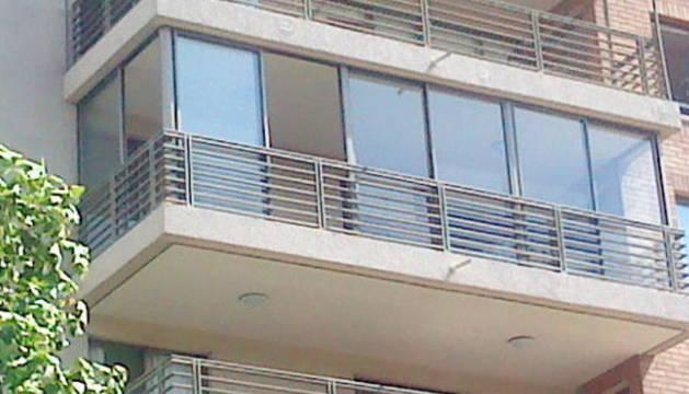 Imagen de los balcones de un edificio.