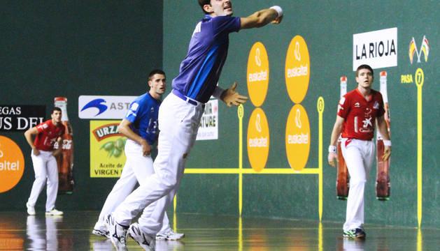 Altuna III-Albisu doblegaron ayer a Irribarri Untoria y jugarán la final de San Mateo.