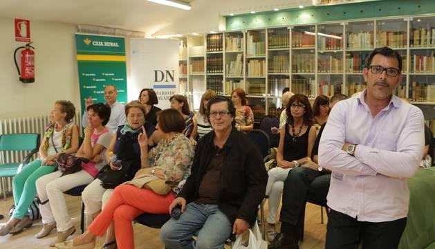 Víctor del Árbol en el Club de Lectira de Diario de Navarra