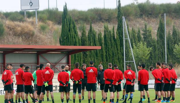 La charla de Martín en la sesión de ayer tras el encuentro contra el Espanyol del jueves.
