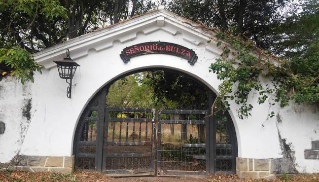 Entrada al recinto del señorío de Eulza, en término de Barañáin.