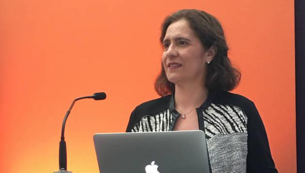 La dermatóloga del CHN, Mª Eugenia Iglesias Zamora.
