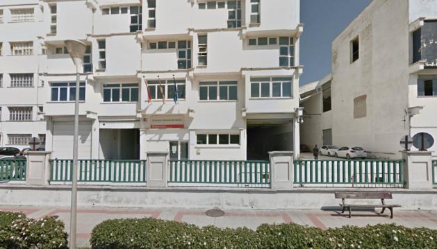 Imagen del edificio del Gobierno de Navarra en el que intentaban robar los vehículos.