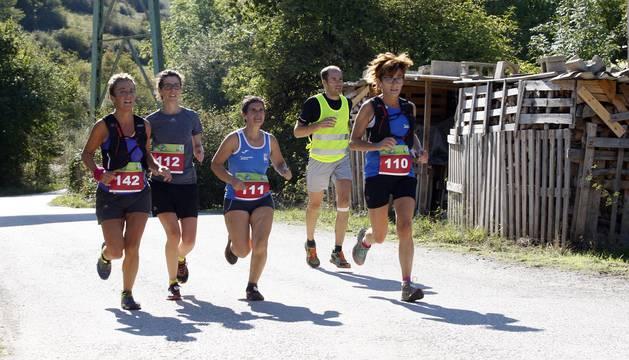 Imágenes de la décima edición de la carrera de montaña 'Olazagutía-Urbasa', que este año además incluía el Campeonato de Navarra.