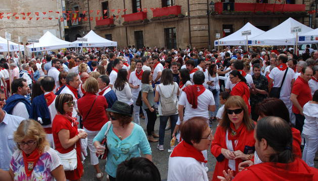 El público llenó las calles y los stands de las 30 bodegas participantes.