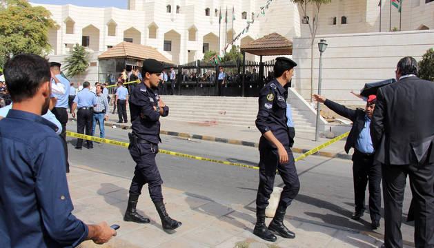 Asesinado el escritor jordano que difundió una caricatura considerada