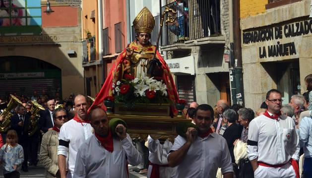 La Procesión al Santo y los Gigantes vuelven a llenar el Casco Viejo