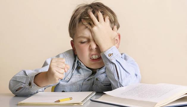 Falta de autoestima, ansiedad y rendirse, problemas que provoca el exceso de deberes