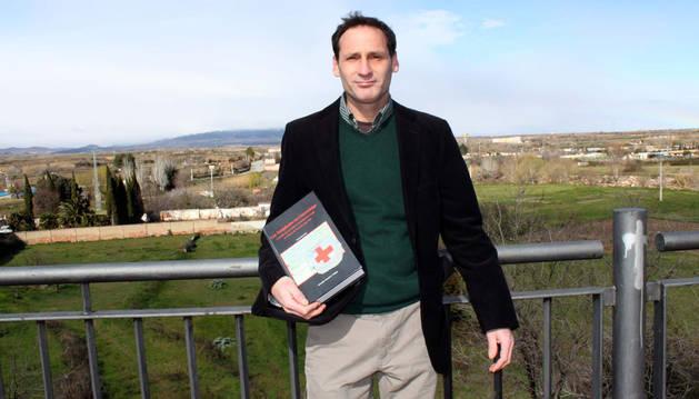 Salvador Remírez Vallejo, con su tesis doctoral sobre los templarios.