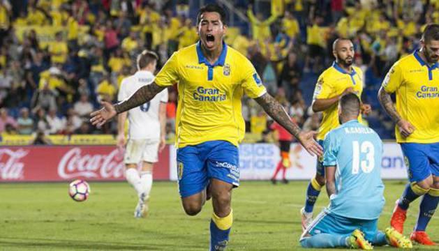 Araújo celebra un gol.