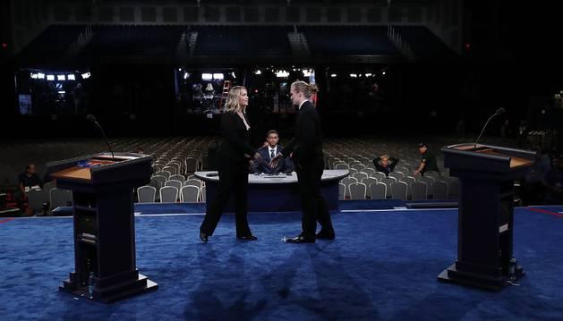 Trump y Clinton se citan este lunes en televisión en el debate más esperado