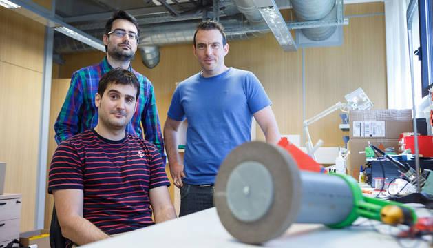 Ion Goizueta, Isaac Royo y Juan Jesús Beato, integrantes del proyecto