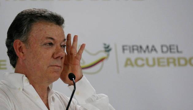 El presidente de Colombia, Juan Manuel Santos, en una rueda de prensa celebrada el domingo.