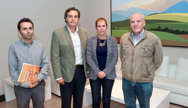 Barkos aborda el Plan Energético con productores de energía fotovoltaica