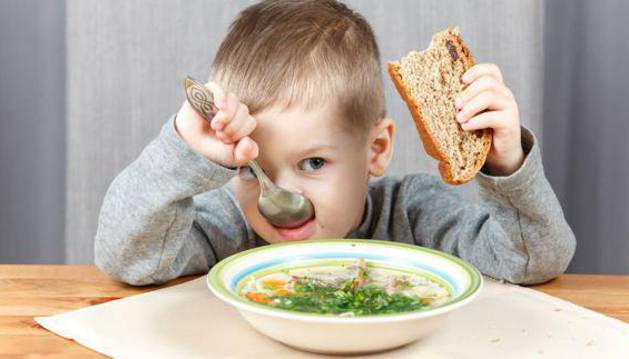 Una alimentacion saludable, por sí sola, no sirve para combatir la obesidad, aunque es un pilar fundamental.