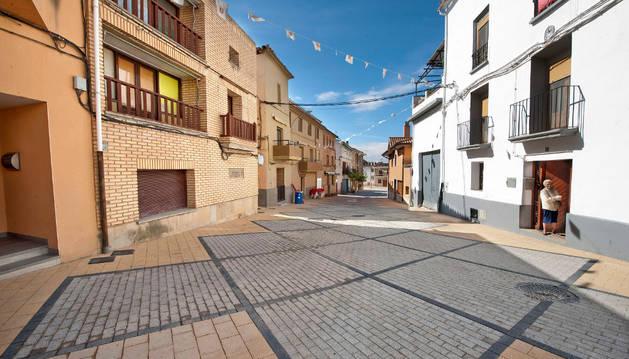 Una de las calles del Casco Antiguo de Arguedas  pavimentadas.