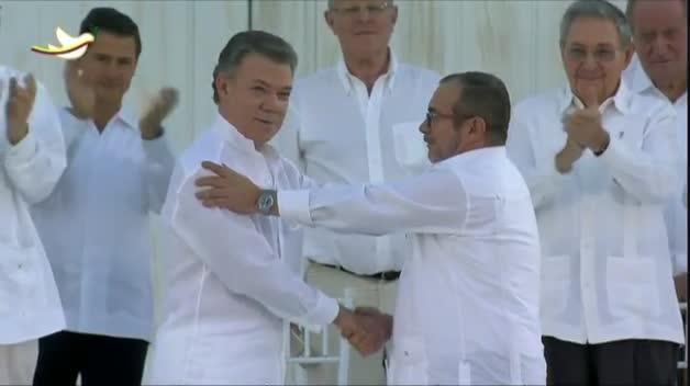 El Gobierno colombiano y las FARC firman la paz tras 52 años de guerra