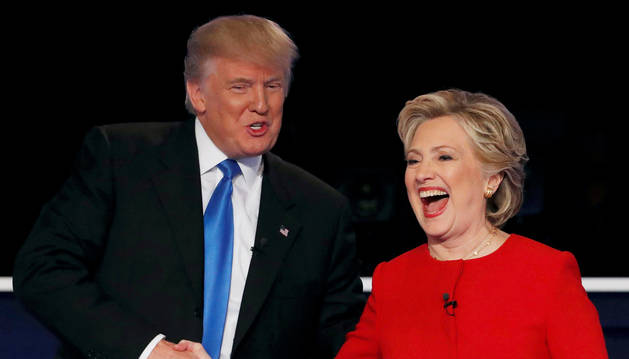 Clinton y Trump intercambian duros golpes en un hosco primer debate