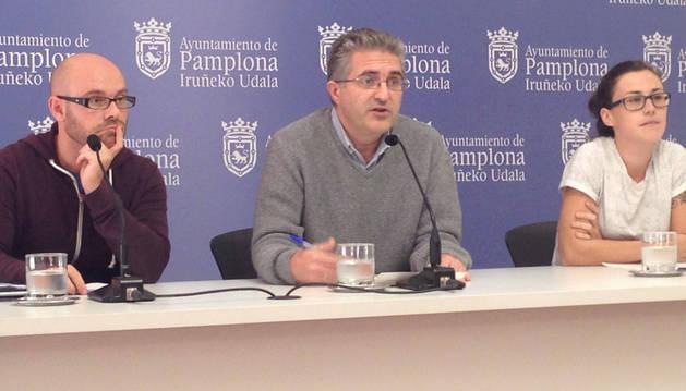 Armando Cuenca, Alberto Labarga y Laura Berro, concejales de Aranzadi en Pamplona.