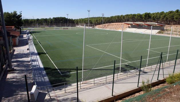 Campos de hierba artificial de Santa Quiteria. En primer término, el afectado por los hundimientos.