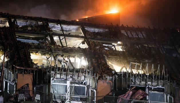 Imágenes de las tareas de extinción de un incendio en el hospital universitario de Bochum (Alemania).