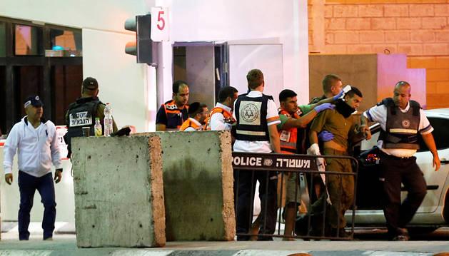 Muere a tiros un palestino tras apuñalar a un agente israelí