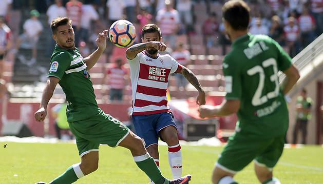 Szymanowski agranda la herida del Granada (0-1)