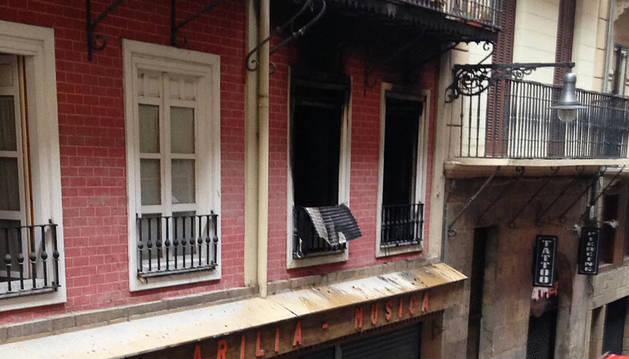 Una mujer mayor fallece en un incendio en la calle Zapatería