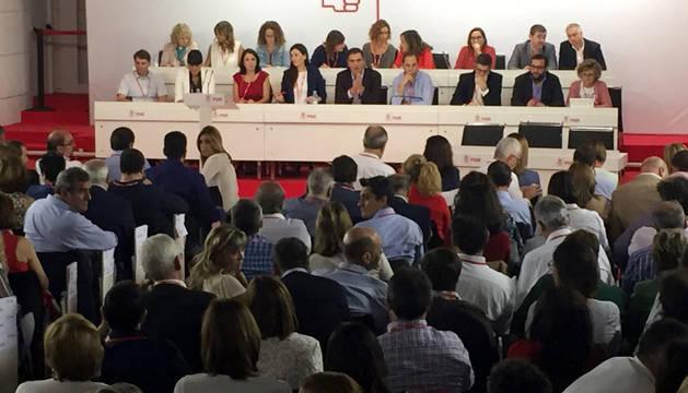 Imagen de la reunión del Comité Federal del PSOE, con Pedro Sánchez en el centro.