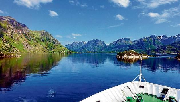 El recorrido de un barco por los fiordos, una de las temática de la 'televisión lenta'.