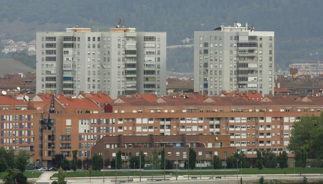 Vista general de Pamplona. Pisos o casas, lo más habitual en las herencias.