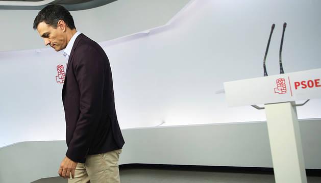 La dimisión de Sánchez abre la puerta al Gobierno de Rajoy