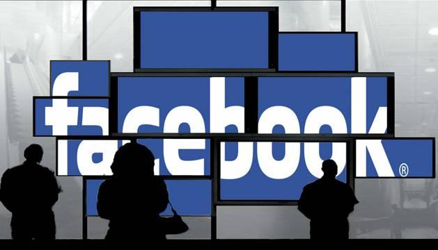 Facebook, que comenzó como un pequeño directorio de estudiantes universitarios, cumple doce años.