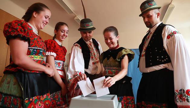 La baja participación marca el referendo sobre refugiados en Hungría