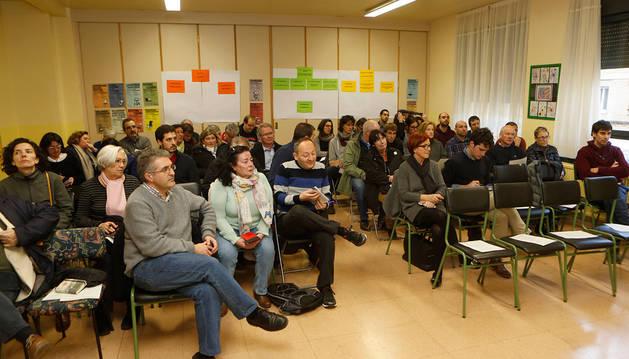 Imagen de uno de los foros de barrio celebrado este año. En primera fila, Alberto Labarga (Aranzadi).