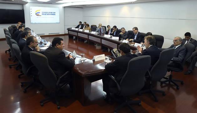 Los partidos colombianos respaldan a Santos en su búsqueda de la paz