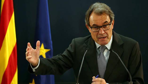El expresidente catalán Artur Mas en la rueda de prensa que ha ofrecido horas después de conocer la petición de la Fiscalia de diez años de inhabilitación para él por haber mantenido la consulta soberanista del 9N.