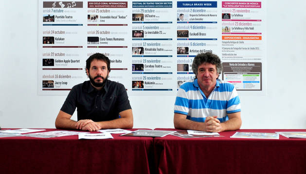 Iñaki Lerga (izda.) y Atxu Ayerra durante la presentación.