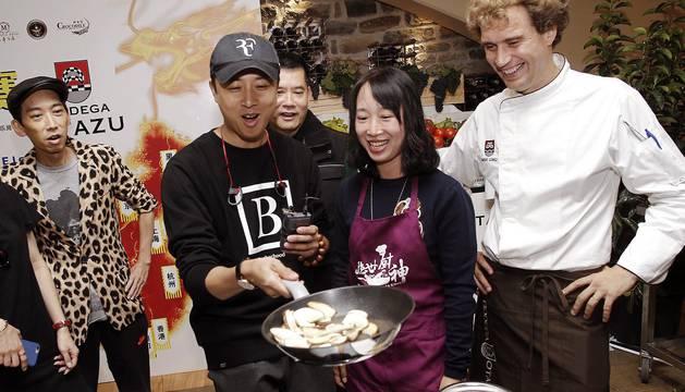 Imágenes de la grabación de la final del programa 'The Real Master Chef ', del canal público chino (Guangdong Television), en la Bodega Otazu de Navarra.