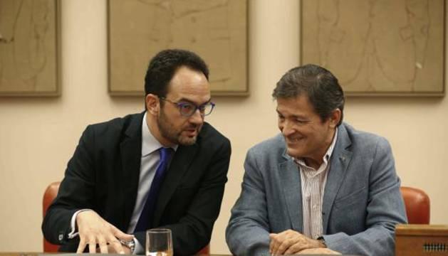 Antonio Hernando y Javier Fernández.