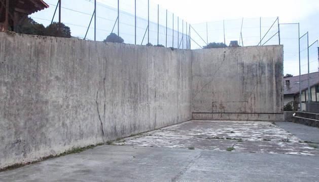 Baztan dedicará 35.000 euros para la adecuación del frontón  de Erratzu
