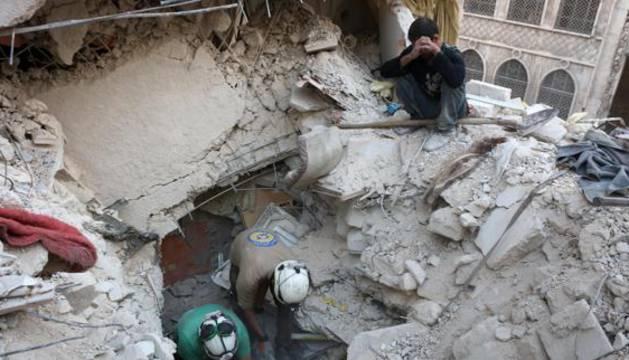 Daños causados por los bombardeos sobre Alepo.
